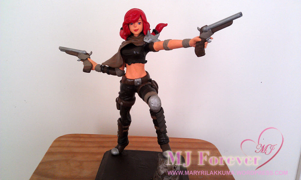 Road Warrior Miss Fortune figure by Hojin :) Stands about 9 inches tall