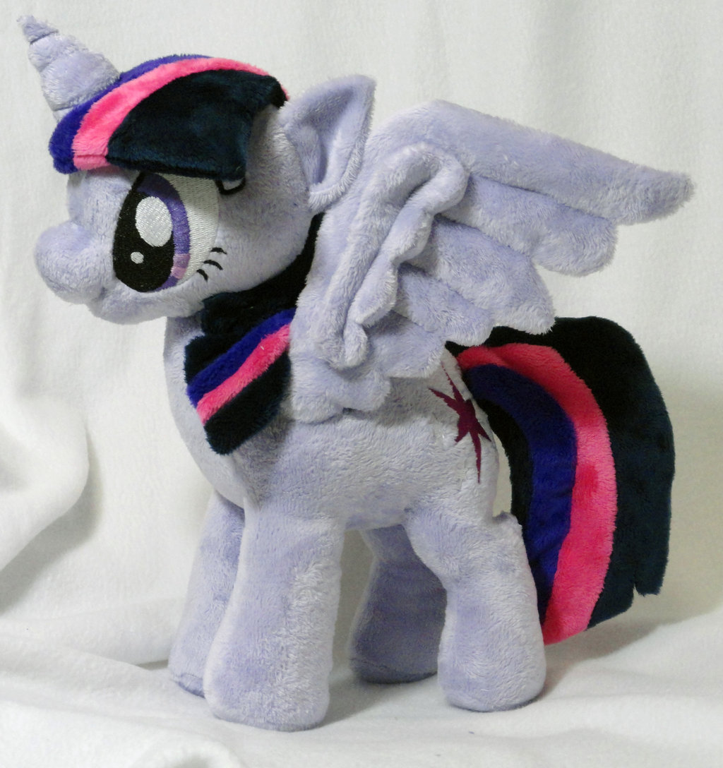 Twilight Alicorn by the talented Cryptic-Enigma!