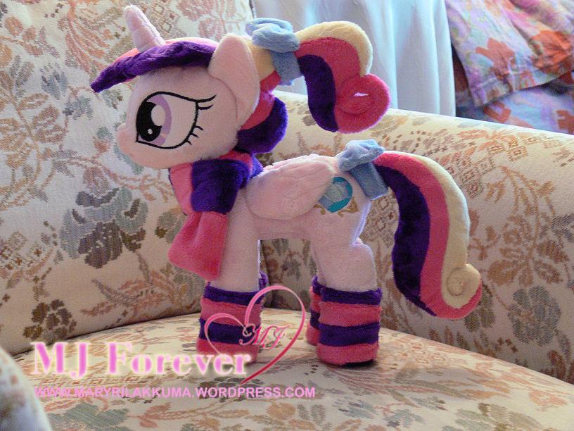 Princess Cadance Foalsitter wearing her OWN winter gear
