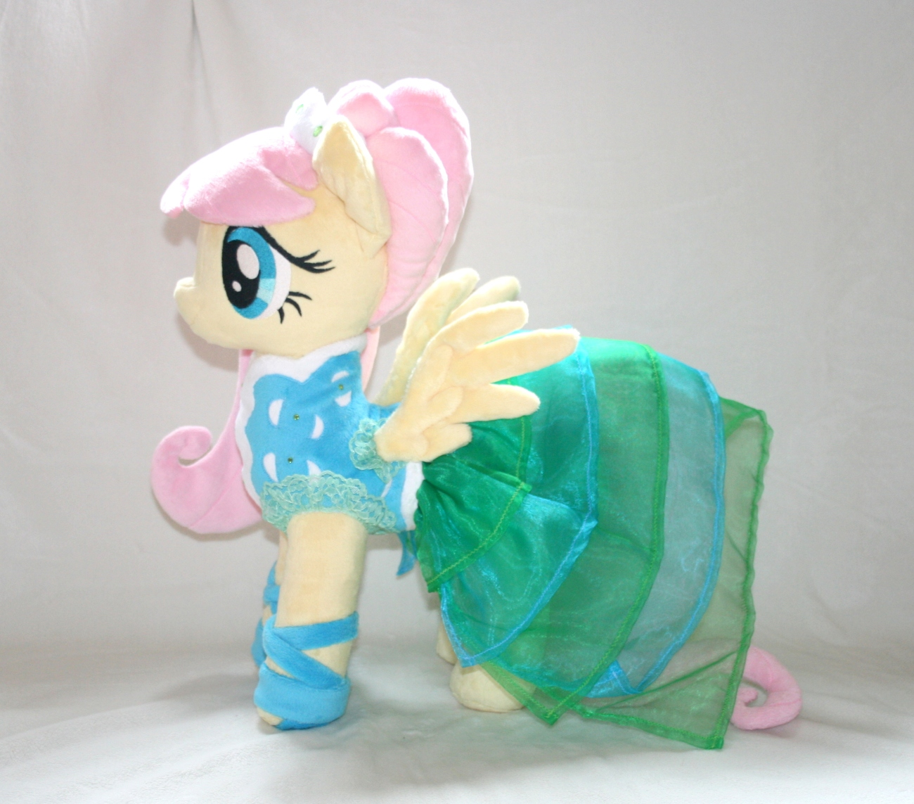 MLP: Fashion Model Fluttershy Sneak Peek!
