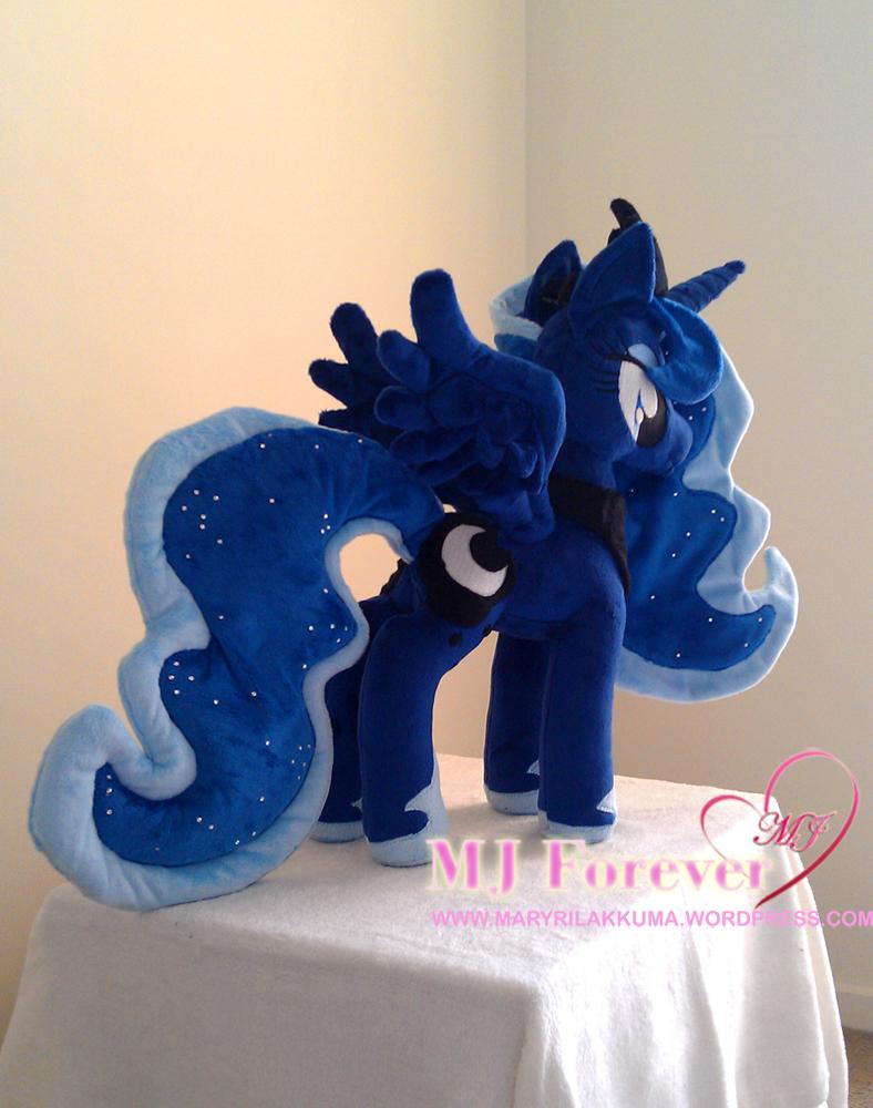 Princess Luna plushie by PlushieScraleos