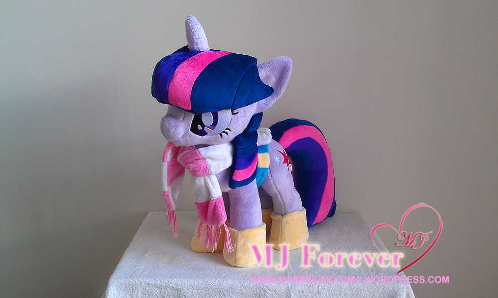 Winter Wrap-up Twilight plushie by Sugarstitch