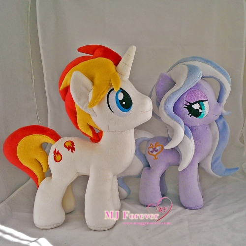 Eclipse Flare plushie sewn by meee!!!! (stallion-mare comparison with Wisteria Bell)