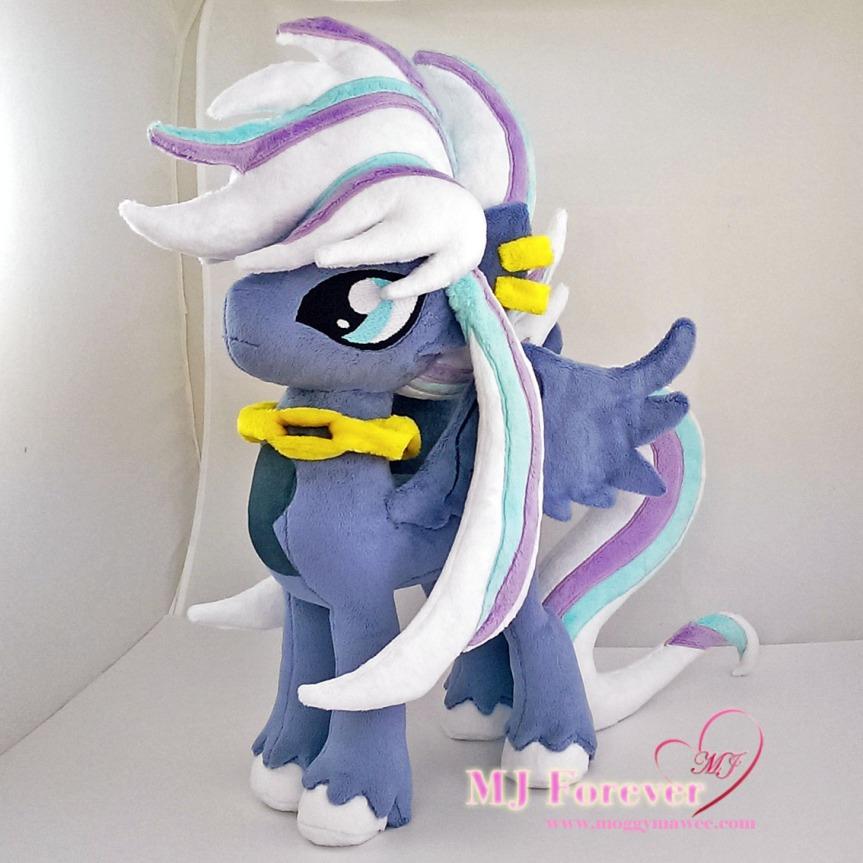 Dusk (stallion OC) plushie sewn by meeeee!!!!!