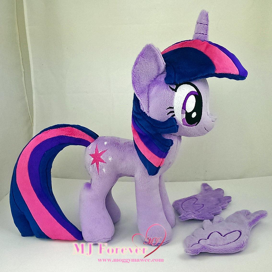 Twilight Sparkle plushie sewn by meeee!!!!!